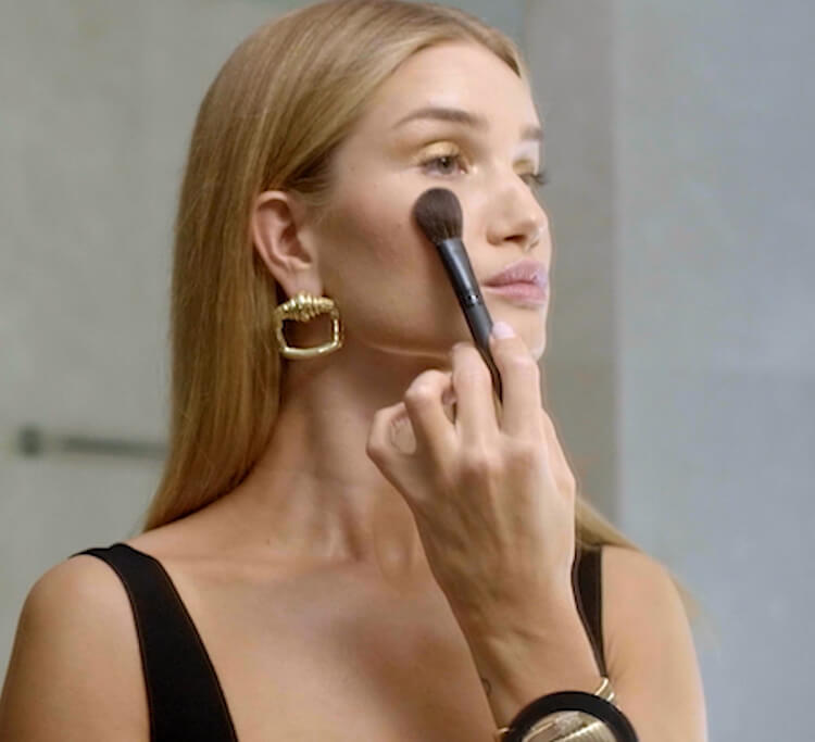 Watch: Rosie Huntington-Whiteley and her makeup artist Nikki DeRoest do everyday glam