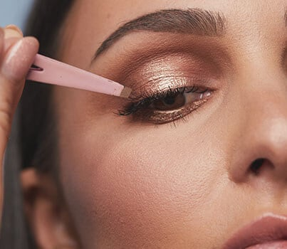Watch: how create an easy halo eye (and find out what it is)