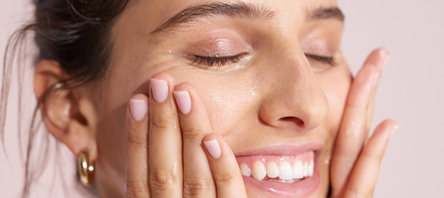 5 ways to practice mindfulness while doing your skincare routine