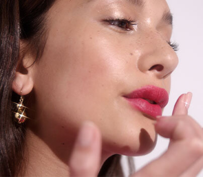 Watch: Velvet lips are a thing (and it could be the most comfortable lip trend yet)