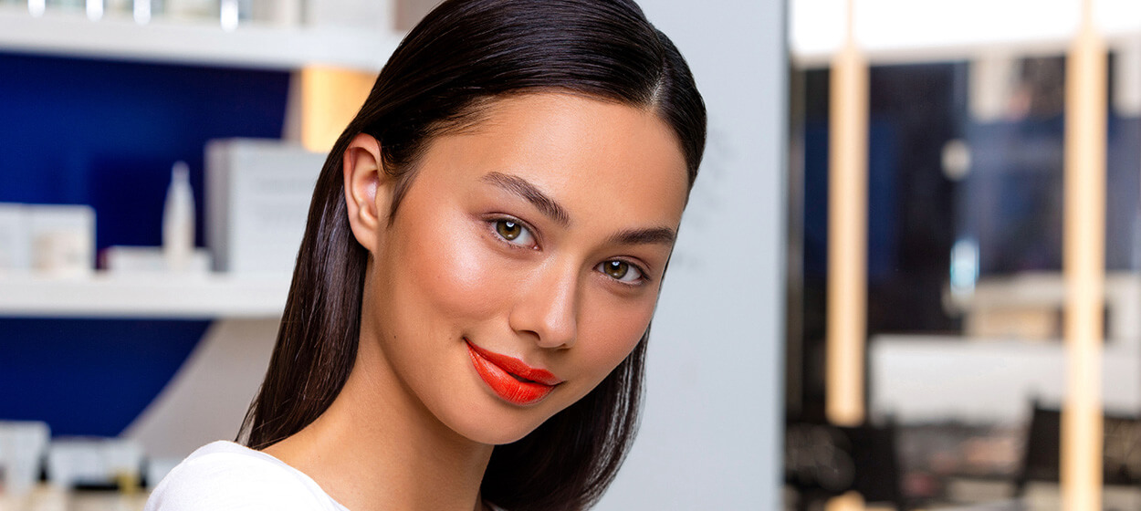 WORK A BRIGHT LIP THIS SUMMER