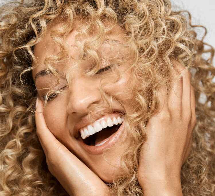 How to protect your hair in cold weather