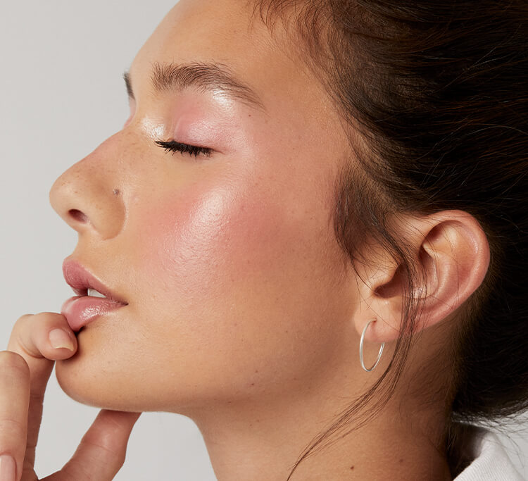 What's 'dolphin skin'? The makeup trend explained – and, how to nail it
