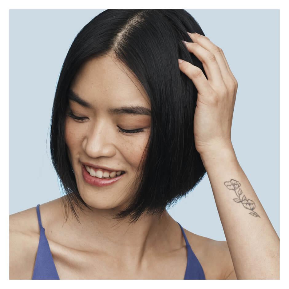 Briogeo Hair Care - Scalp Revival Charcoal + Coconut Oil Micro-exfoliating Scalp Scrub Shampoo