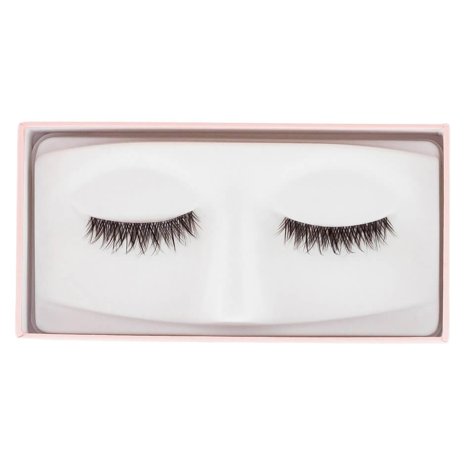 Mecca Max - FALSE LASHES FIRST DATE