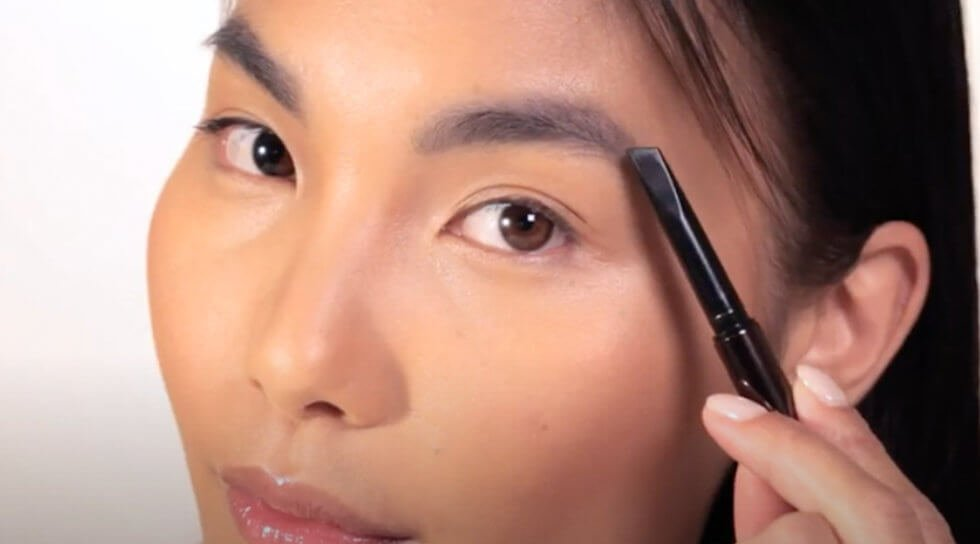 Arch Brow Sculpting Pencil, Soft brunette, video