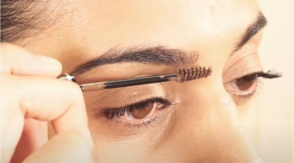 Colour & Control: Tinted Brow Gel, Taupe, video