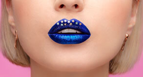 HOW TO CREATE VLADA'S METALLIC BLUE LIP ART